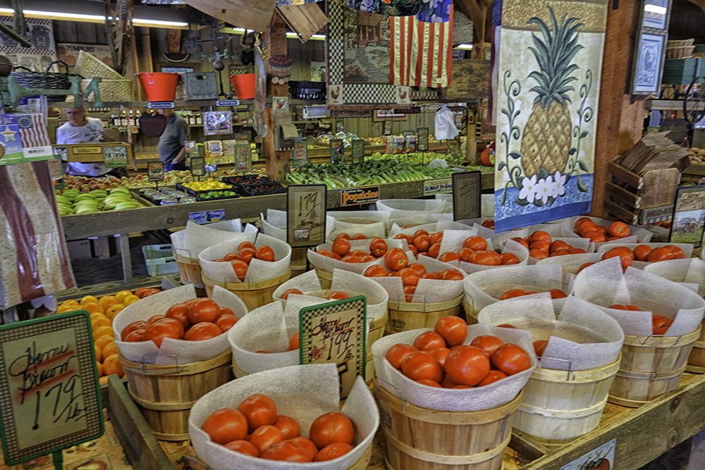 Amburn Produce Market, Maryville, Tennessee.